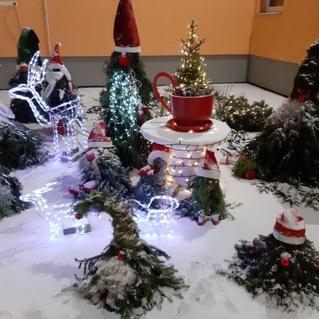 Kalėdinės šventės nykštukų apsuptyje